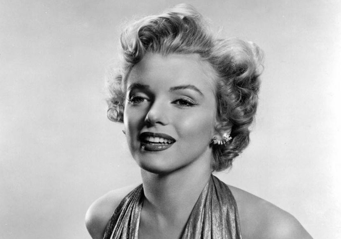 Marilyn Monroe wearing vintage costume jewellery