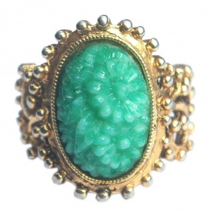 Vintage Gold Plated and Peking Glass Flower Ring
