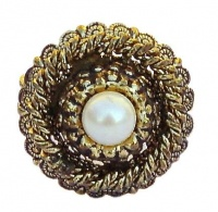 Vintage Gold Tone Filigree and Pearl Ring