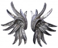 Oscar de la Renta Silver Tone Feather Design Earrings
