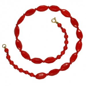 Vintage Red Glass Bead Necklace circa 1950s