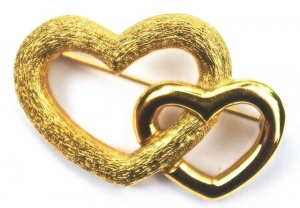 Grosse Vintage Gold Tone Double Heart Brooch