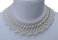 1950s White Faux Pearl Collar Necklace
